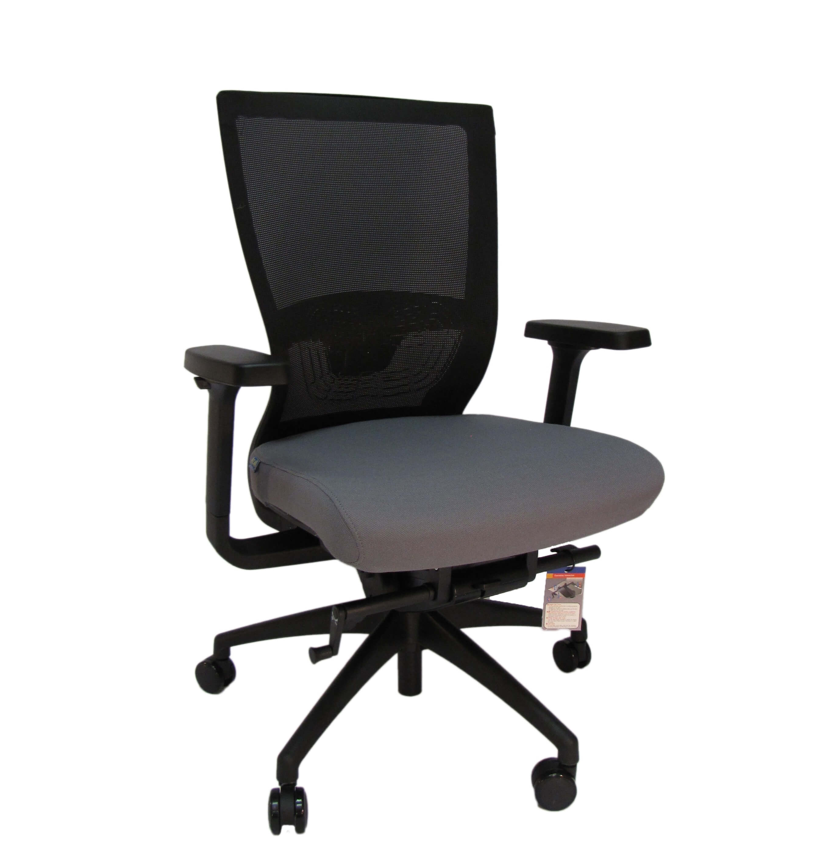Ergonominė kėdė Arholma su nuimamu sėdynės užvalkalu bei patogiu tinklelio atlošu.