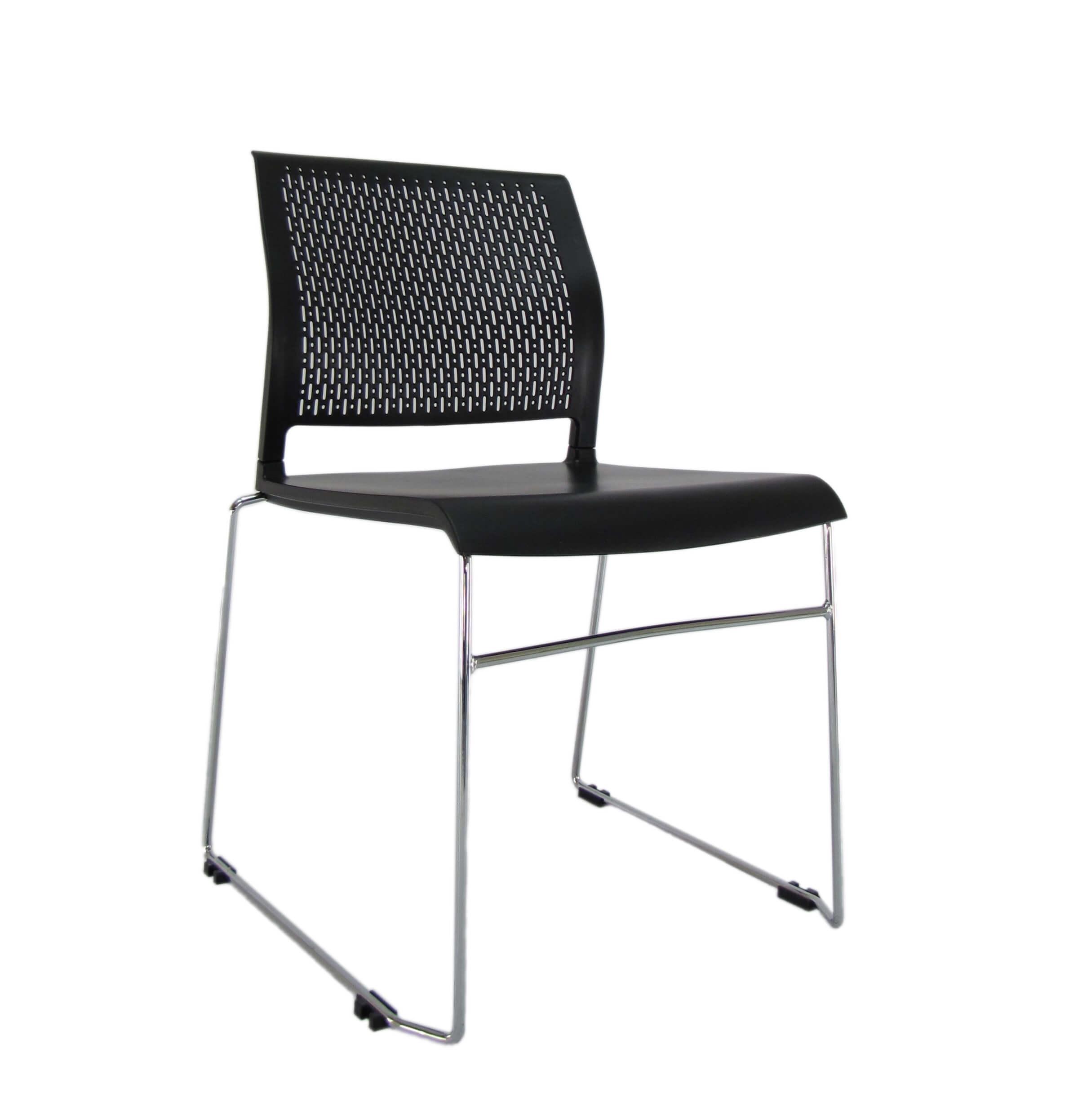 Konferencinė kėdė Oslo chrome su atlošu ir sėdyne iš plastiko.