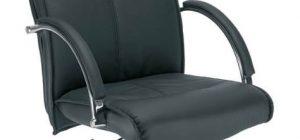 Vadovo kėdė Sabio su stabiliais paminkštintais porankiais.