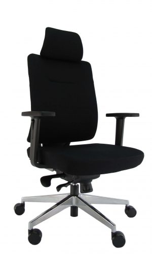 Ergonominėkėdė Skagen HRU su kokybišku audiniu aptrauktais atlošu ir sėdyne.