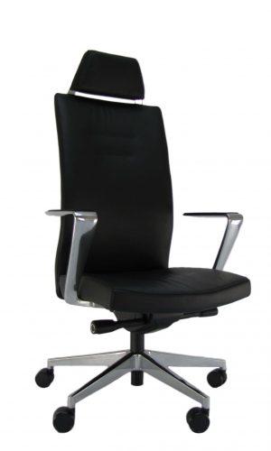 Natūralios odos ergonominė kėdė Skagerrak HRU su galvos atrama.