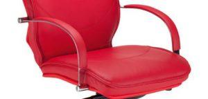 Vadovo kėdė Valentino su stabiliais paminkštintais porankiais.