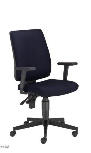 Biuro kėdė Taktik R19T su reguliuojamais porankiais.