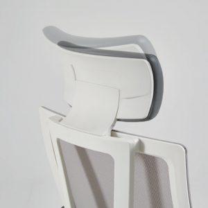 Ergonominė kėdė Avanti su tinklelio atlošu.