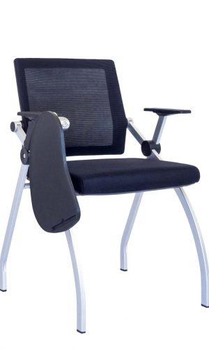 Konferencinė kėdė Aveiro Pro su tvirtu konferenciniu staliuku.