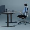 Reguliuojamas biuro stalas eModel su aukščio reguliavimu.