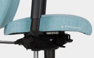 """Ergonominė kėdė turi """"AirCare System ™"""" technologiją."""