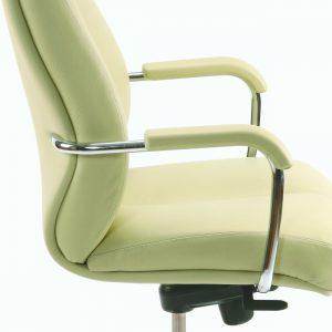 Vadovo kėdė Sonata XXL su metaliniais paminkštintais porankiais.