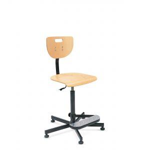 Specialios paaukštintos kėdės su medine sėdyne.